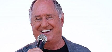 Happy Birthday to pop/rock singer, pianist, and composer Neil Sedaka (born March 13, 1939).