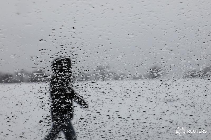 U.S. Northeast braces for late winter blizzard: