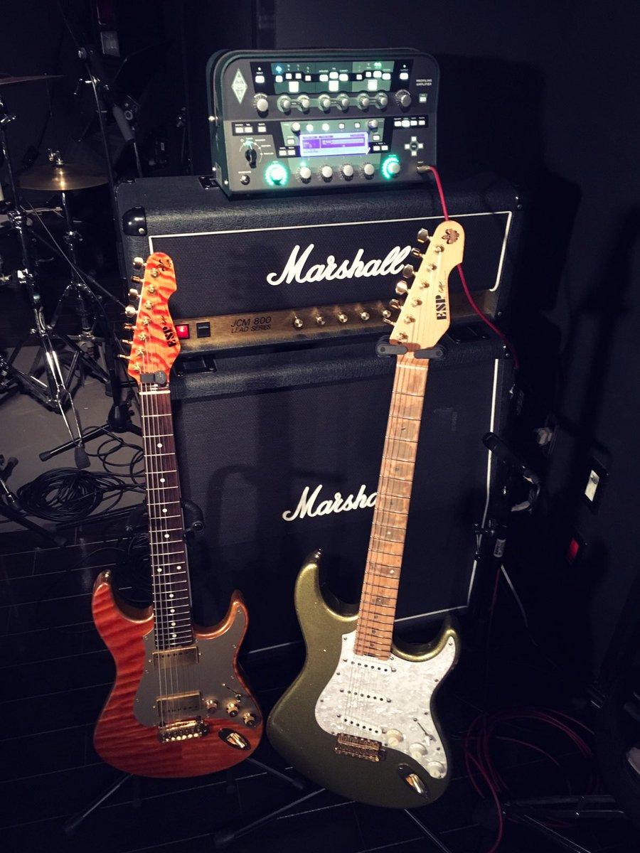 先日のMI JAPAN大阪校さんで行ったインストアイベントの機材でごんす🔥僕のギターが大阪のESP梅田カスタムショップさ