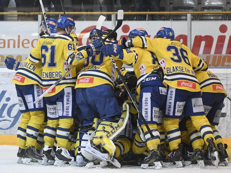 Longest hockey game ever? Norwegian teams play eight overtime periods via @npsport