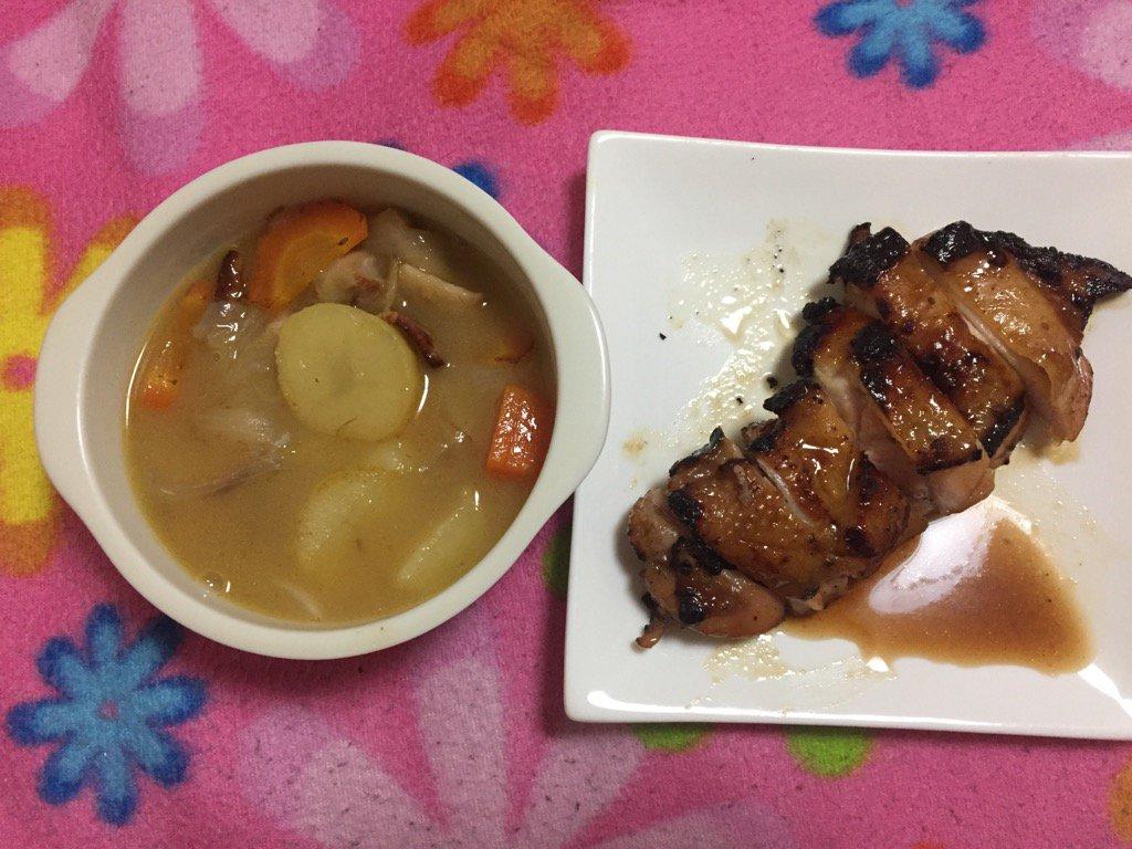 お昼ご飯作り(・ω・)具沢山のコンソメスープ〜シチュー風(-∀-○)食戟のソーマから、鶏のアピシウス風焼き(* ´ ∀