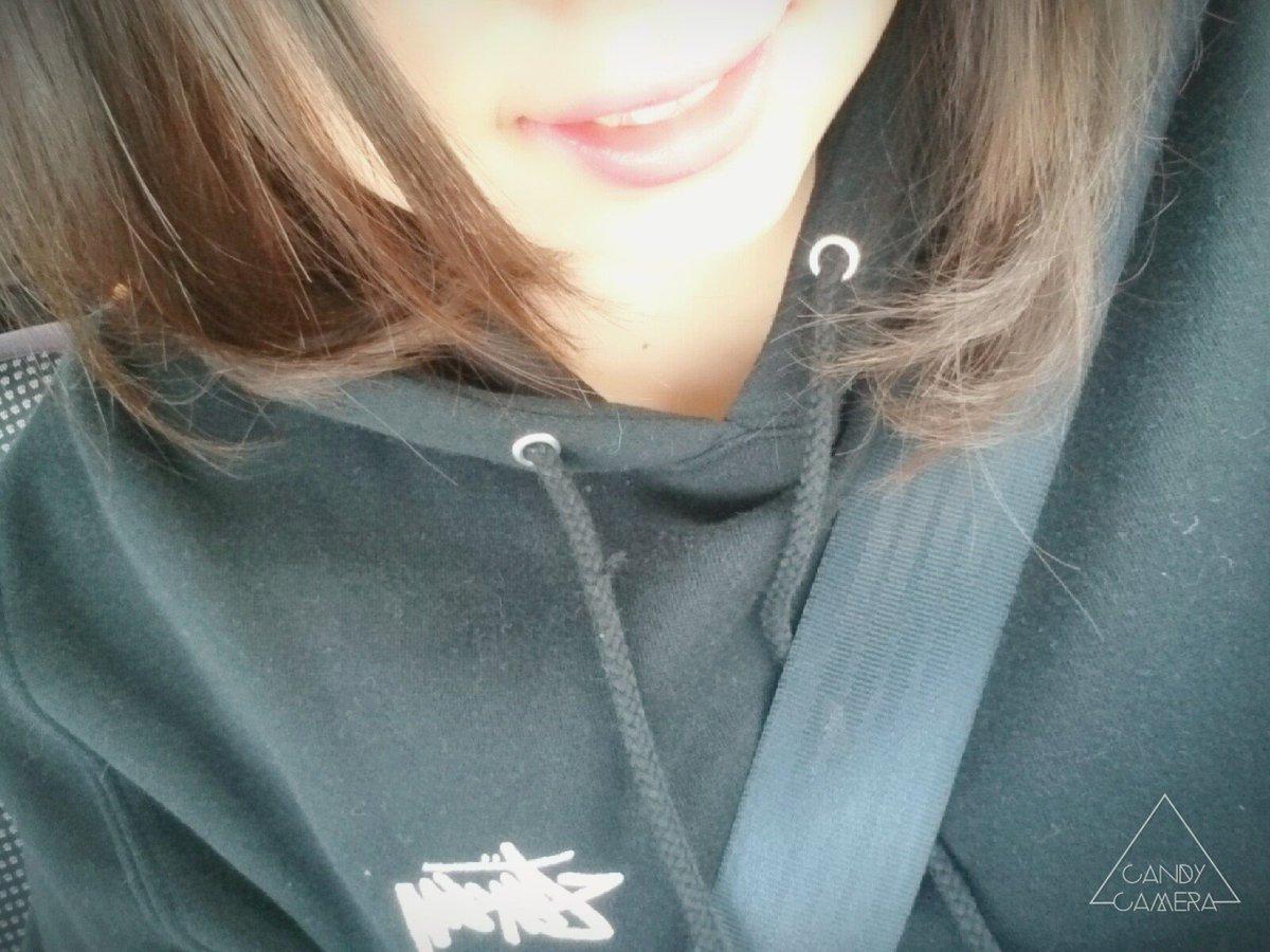 お気に入りのSTUSSYの服に カイリジュメイのリップ 髪の毛内巻き  気分あがるお買い物 https://t.co/ePJuatR1rS