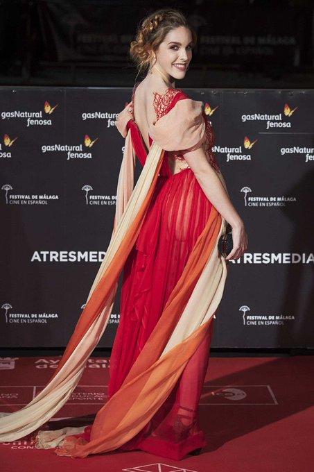 En el @festivalmalaga vestida de @leyrevaliente y maquillaje por @Noeliapromakeup✨ https://t.co/j9uz