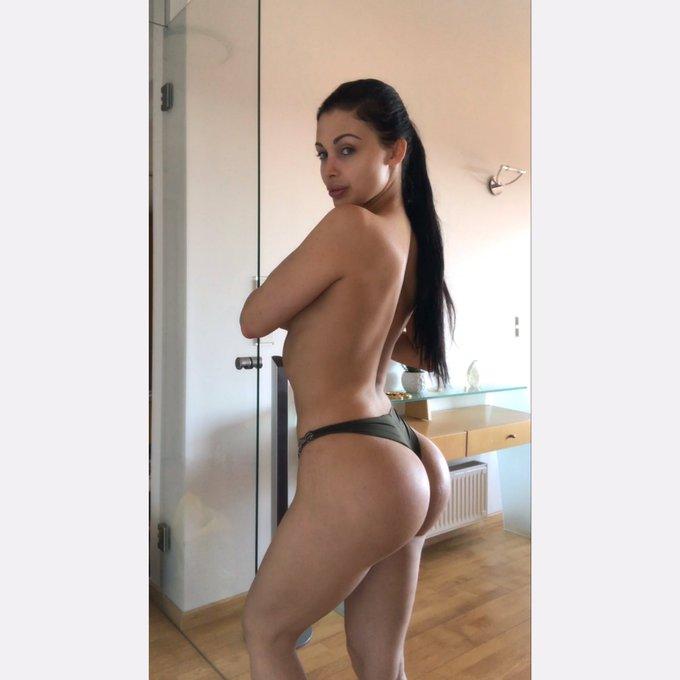Hello #body #curvygirl #curves #fitness #FitnessMotivation #fitbody https://t.co/kHJ1j0uKTW