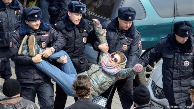 PHOTOS: Over 700 arrested in anti-corruption protests in Russia - @DustinGiebel