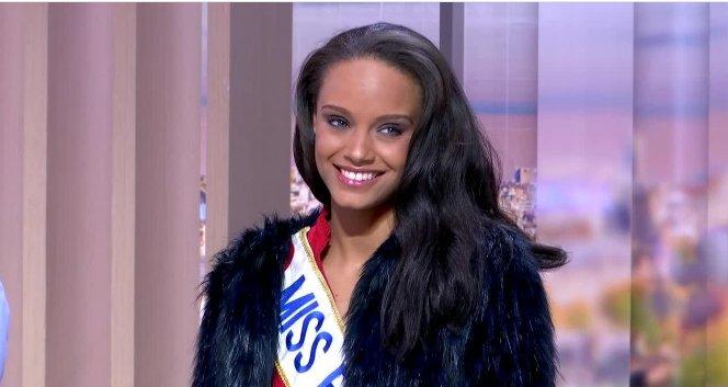 EN DIRECT - Crise en Guyane : 'Il est temps que le climat s'apaise' chez moi, lance Miss France 2017  👉https://t.co/j0EvMYLGqY
