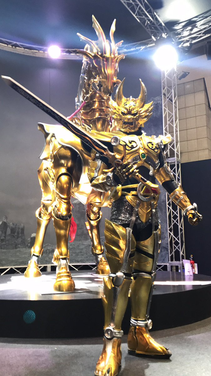写真と動画撮りすぎて電池切れてた!轟天×黄金騎士様を拝めるチャンスと聞いてアニメジャパンに行ってきました☺︎ジャケット・
