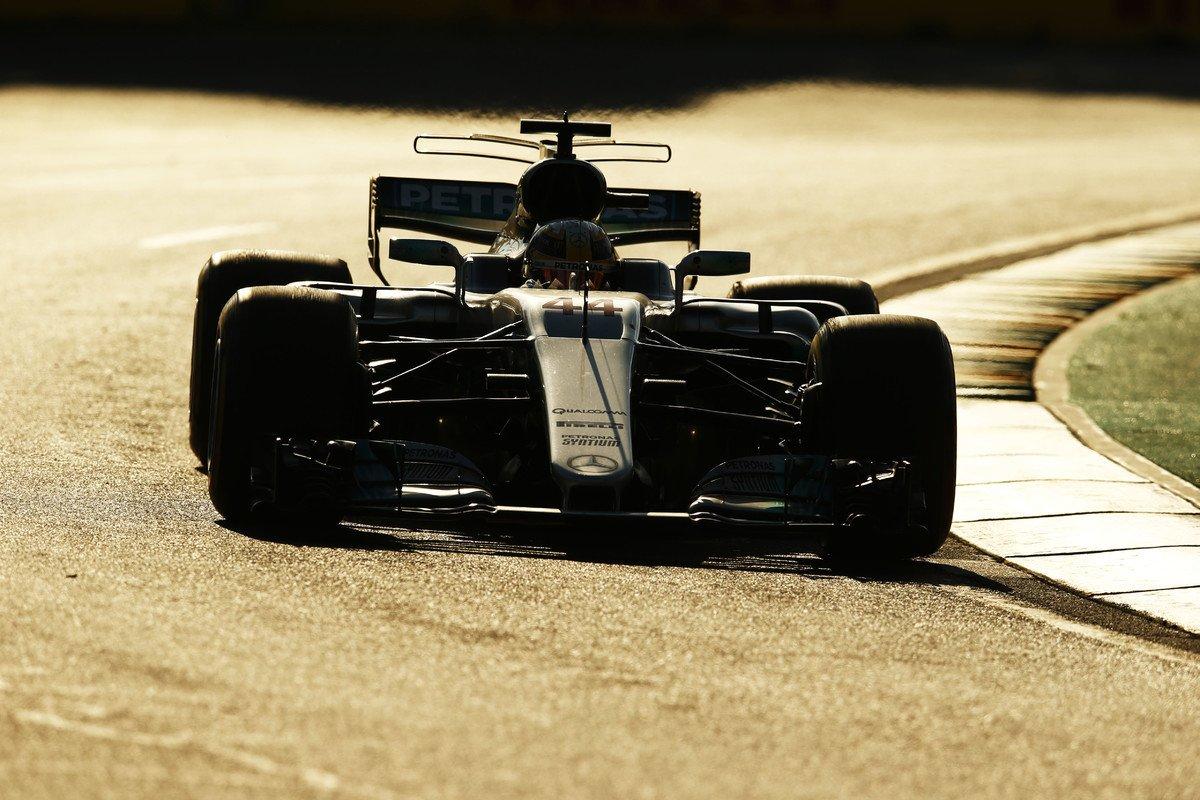 test Twitter Media - Lewis #Hamilton nabádá Mercedes ke zlepšení práce s pneumatikami, ze kterých dnes nedokázal dostat všechnu potenciální výkonnost. https://t.co/TTMAq2UJUl