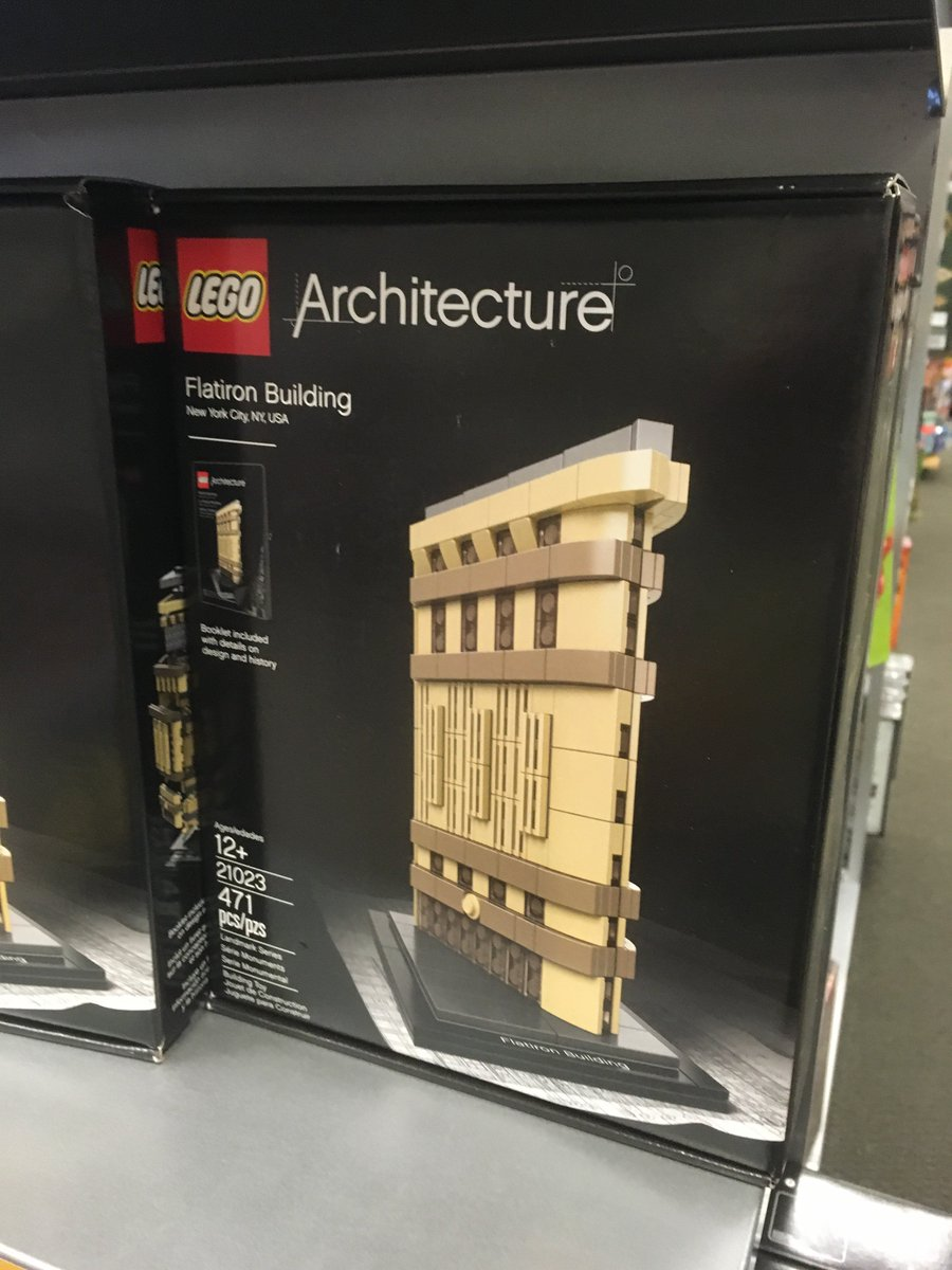 RT @authorajhartley: There's a lego model of my publisher's building! https://t.co/pUiYp5shYG
