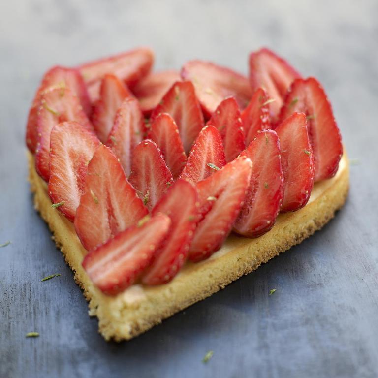Quoi de plus frais pour le #printemps qu'une jolie tarte aux #fraises ? #goûter >> https://t.co/EpM34vG1S9