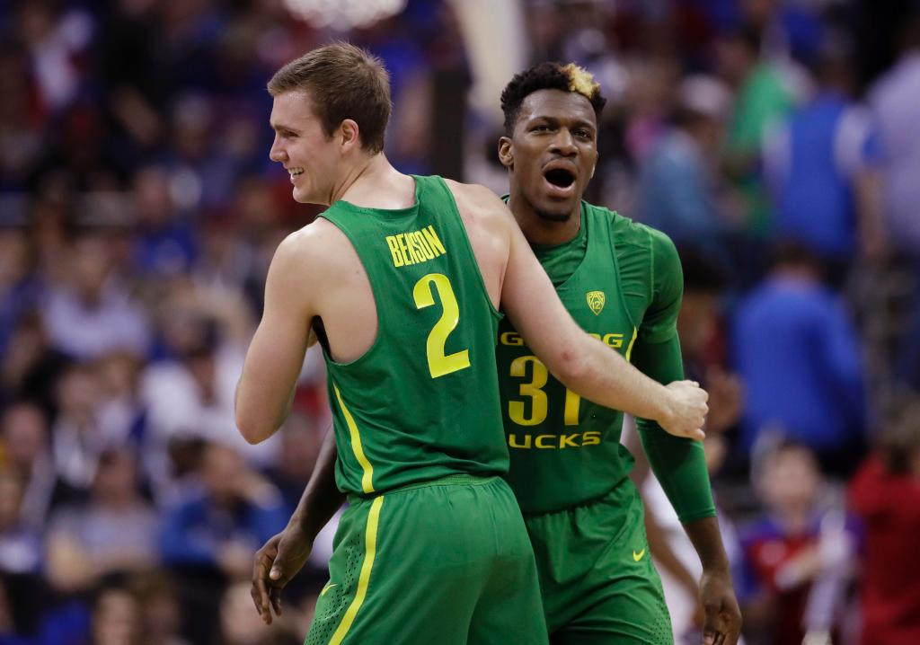 Oregon stuns Kansas to earn ticket to Final Four: