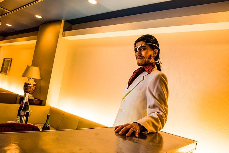 ホストクラブ安土城へようこそ。この日うっかりスーツのボタン留めてて、しまったーOTL撮影:ねもっさん #ドリフターズ