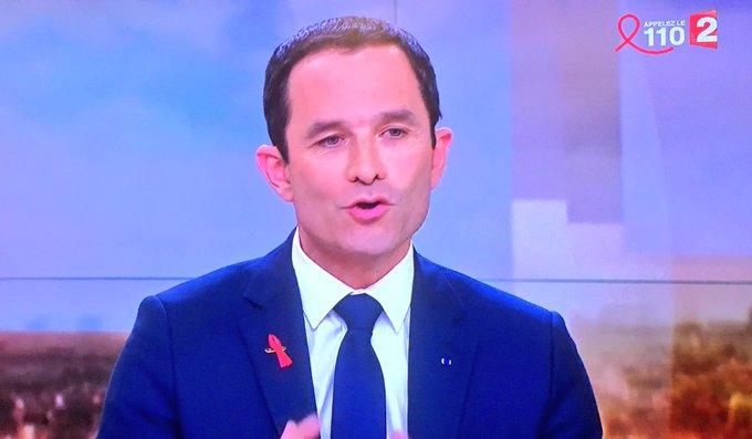 #Hamon : 'On m'annoncerait même la semaine prochaine une mise à mort avec le soutien de #Valls à #Macron' (Interview à France 2)