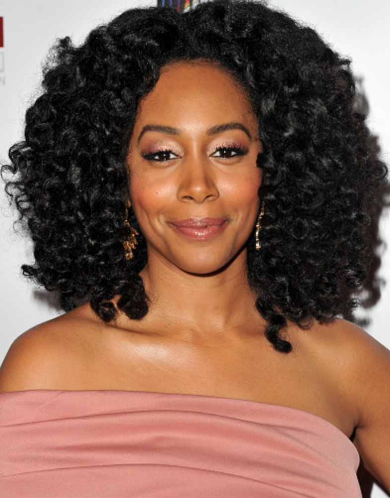 A day in the beautiful life of Simone Missick: https://t.co/9pgx7hDj4L