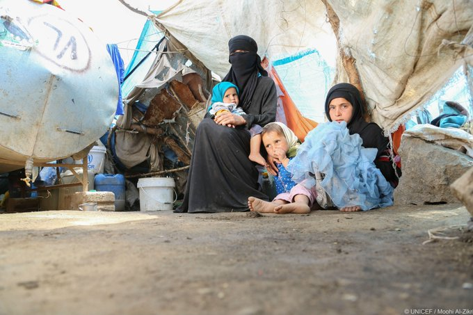 Families turning to extreme survival measures as war in #Yemen hits 2 year mark https://t.co/EgqLT1iPTH #ChildrenUnderAttack #YemenNeglectedNeglected