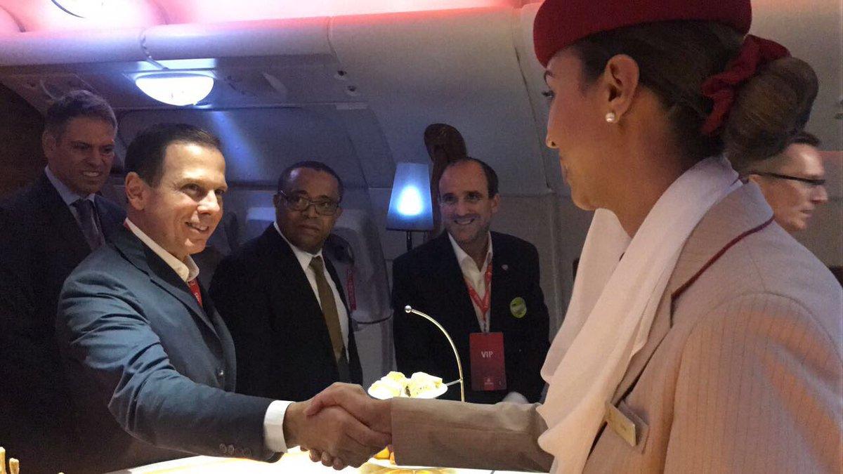 Vim acompanhar a cerimônia de lançamento das operações do A380 em SP, o maior avião comercial do mundo, com capacidade para 491 passageiros.