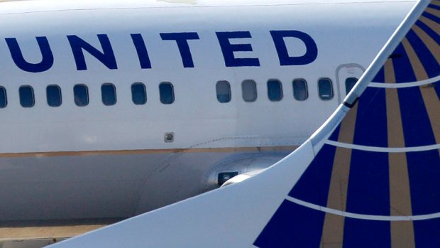 Teens wearing leggings barred from United Airlines flight