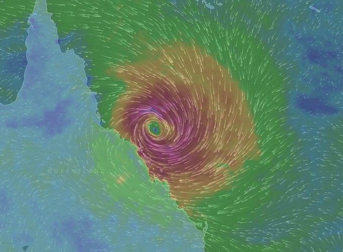 AUSTRALIE - Le cyclone Debbie au large de l'État du Queensland a été porté en catégorie 3. /BofM