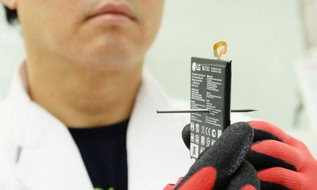 "G6 배터리 시험실 가보니…""못으로 뚫어도 폭발 안 해요"" https://t.co/G0pFteH610"