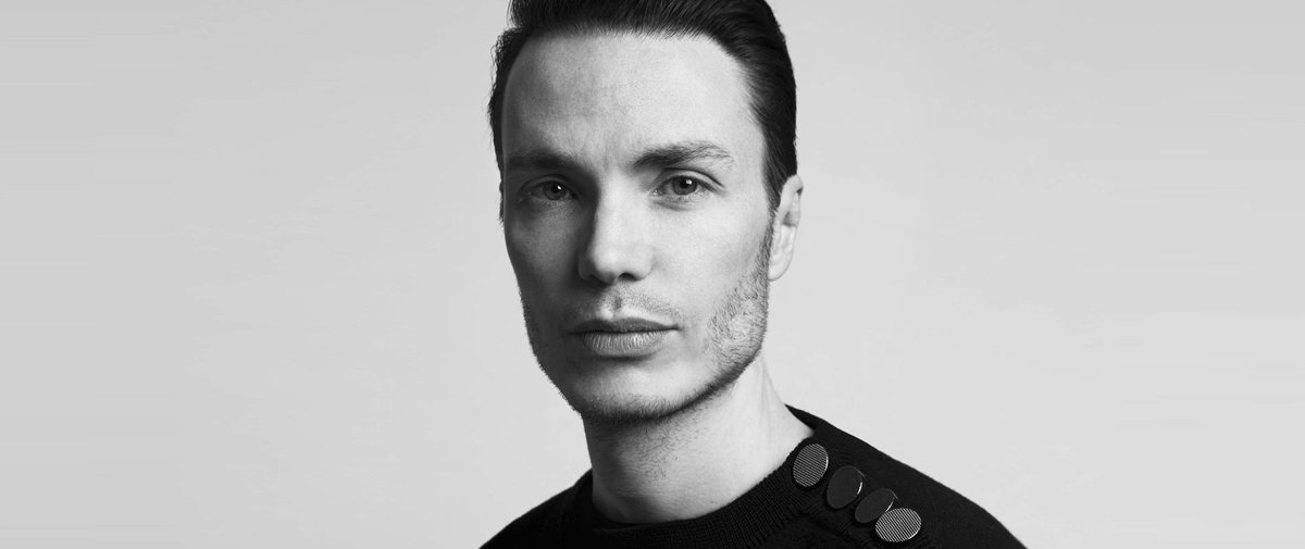 🔴 Dernière minute : #MaximeSimoëns est nommé directeur artistique de la maison #Azzaro >> https://t.co/qR19zNBaXd