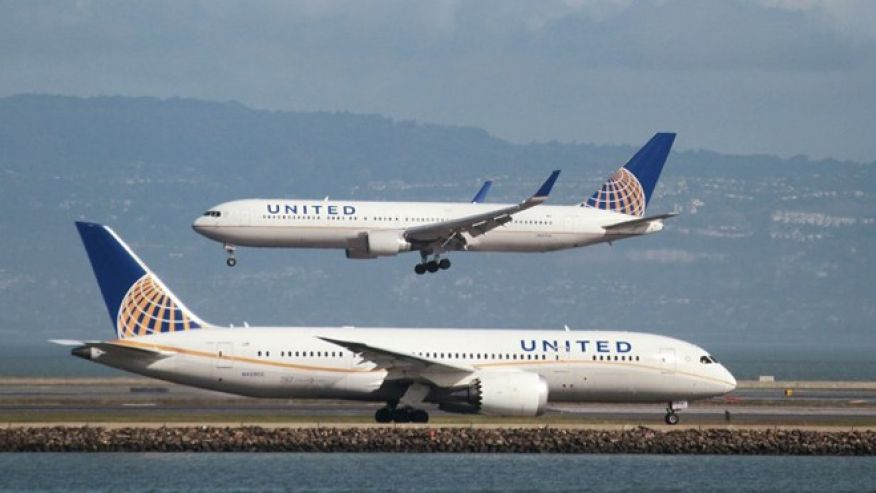 United Airlines under fire for barring teens from flight who were wearing leggings https://t.co/jpW3M6iWfQ via @Gaydosland