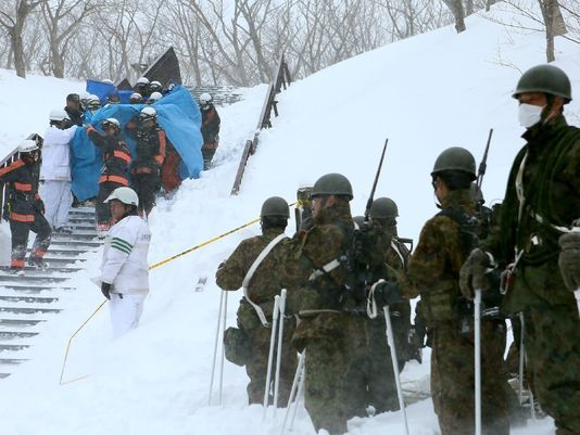 8 high school students are feared dead after an avalanche hit a ski resort in Japan. (Getty)