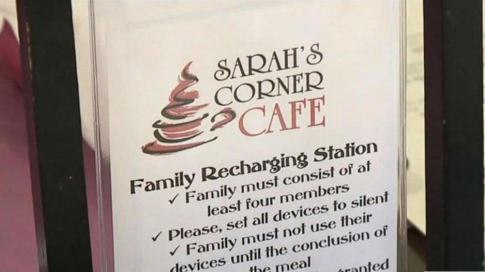 Pennsylvania restaurant offering discount for people who enjoy phone-free meals with their loved ones. https://t.co/gICvEzC1qL