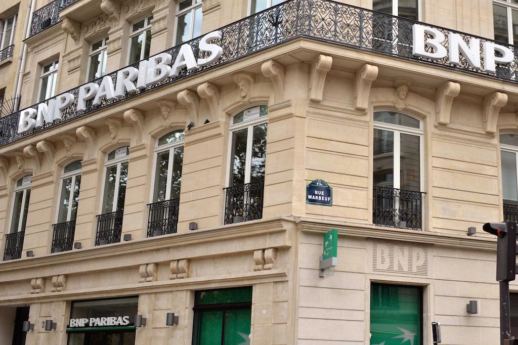 Rapport inédit : un quart des bénéfices des grandes banques européennes provenaient des paradis fiscaux en 2015 https://t.co/yiomdaCikJ
