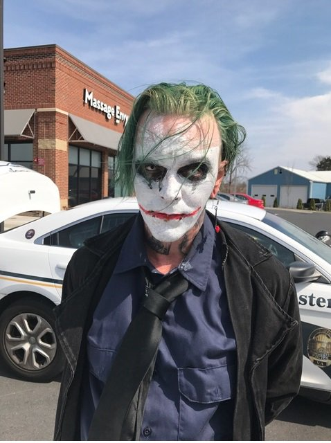 Sword-wielding man dressed as the Joker in Virginia charged with wearing a mask in public, a felony. https://t.co/HAW3hmsUV5