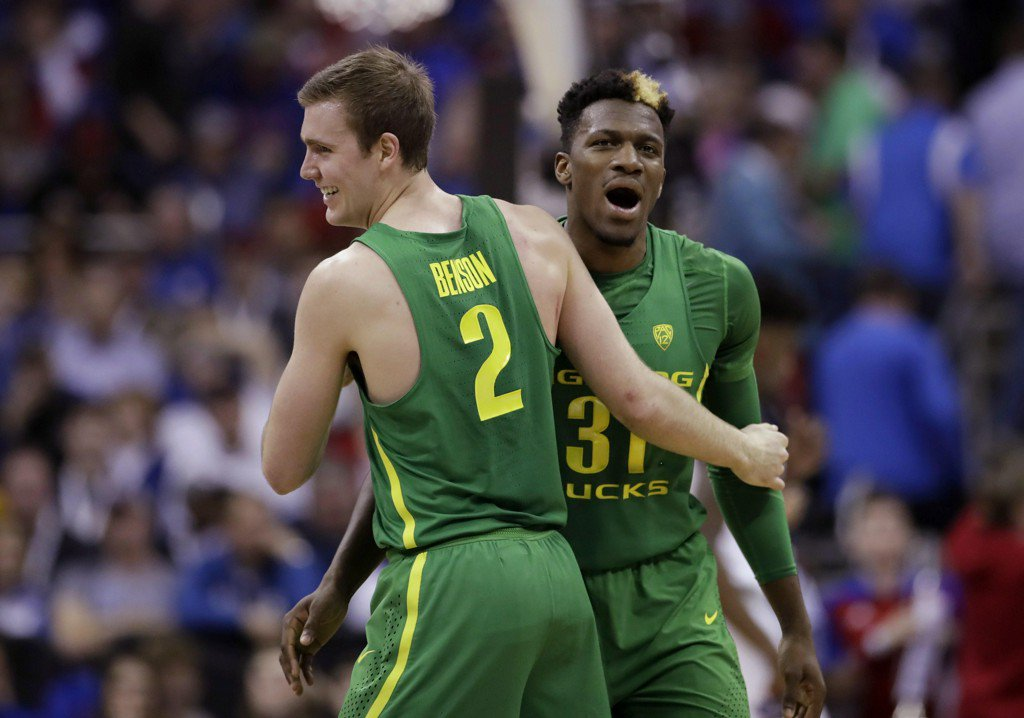 March Madness: Oregon stuns Kansas to earn ticket to Final Four