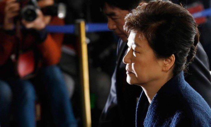 Procuradoria sul-coreana pede a prisão da ex-presidente. https://t.co/JnXfclBGNh
