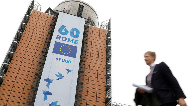 Samedi, l'#UE fêtait son 60e anniversaire. Pour John Laughland 'la logique de l'UE est l'inverse de celle de l'#ONU' https://t.co/enWoMUbrrN