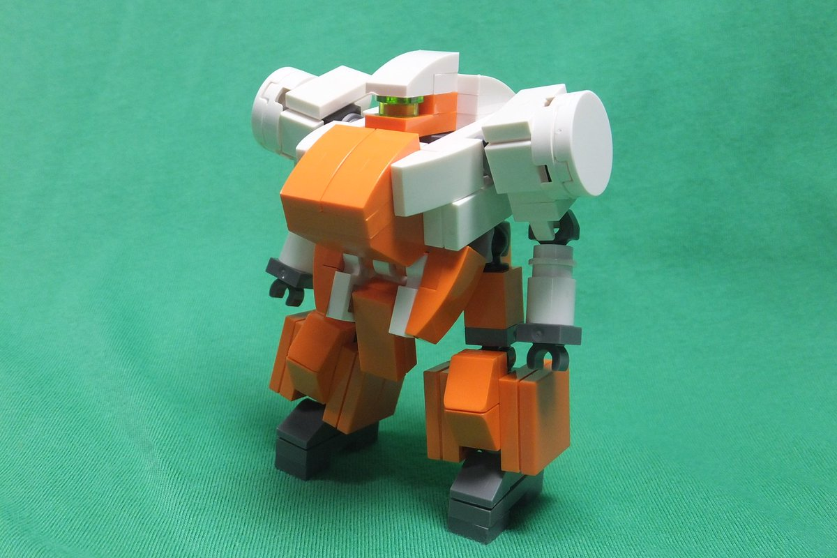 LEGOで「ランドマン・ロディ」を作りました。 ミニサイズでめっちゃかわいく作れて満足です!武器はサブマシンガンとハンマ