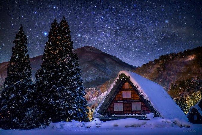 この冬のハイライトその3 星の夜と月の夜に訪れた合掌造りの白川郷。 静かなおとぎ話のような世界。