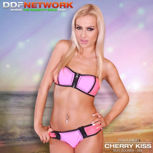 Sexy Sound #25 feat @cherrykissxxx10 is out on > https://t.co/oxhNANqOW8 https://t.co/GR3gelHfaZ