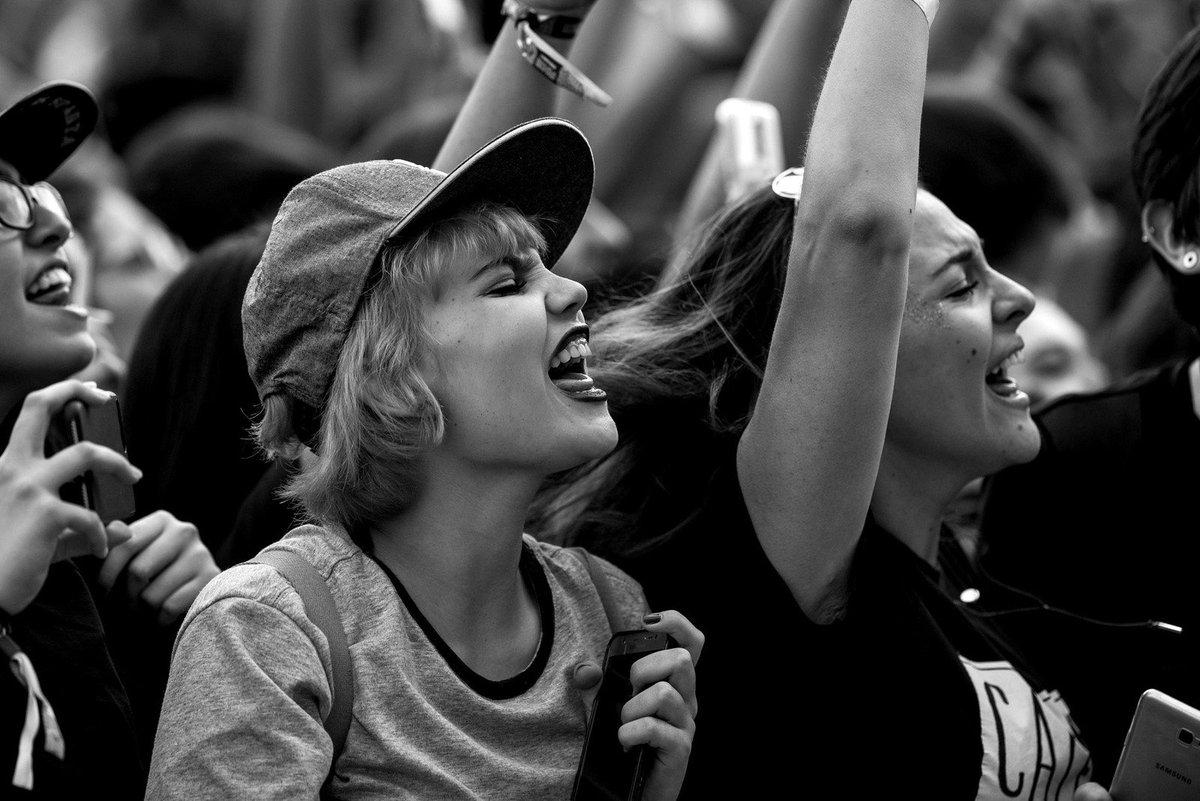 Primeira fila no Lolla 2017; FOTOS https://t.co/zNl2RaEN0V #G1noLolla #LollaNaGlobo #LollaBR #Lollapalooza