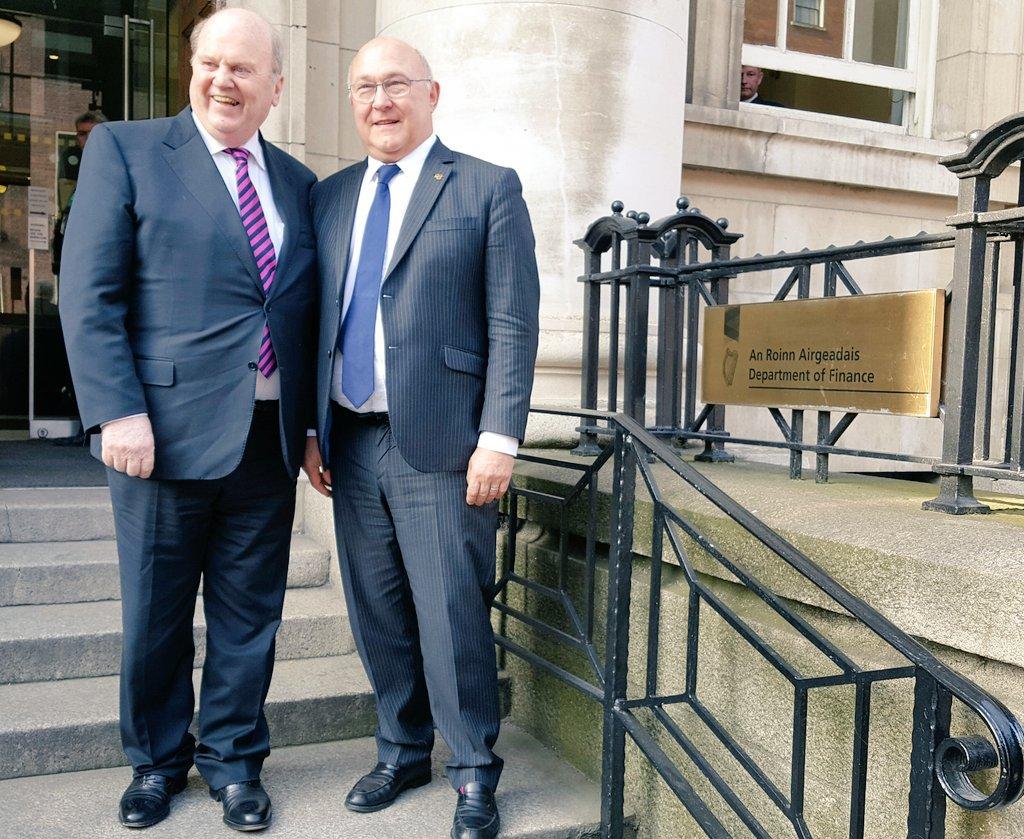 🇫🇷 🇮🇪 Entretien bilatéral avec Michael Noonan, ministre des finances irlandais : les négociations du #Brexit sont au coeur de notre échange
