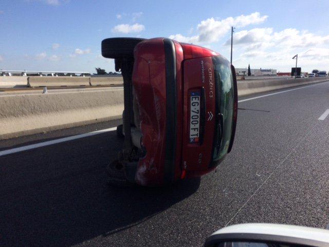 #Montpellier : un véhicule fait des tonneaux sur l'autoroute https://t.co/aPOZHt8RJN