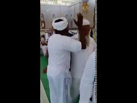 A VOIR: (Soubhan Allah, la beauté de l'Islam...) - Cliquez ici: https://t.co/yQTsgtGSaJ https://t.co/Q6woGh62Vq
