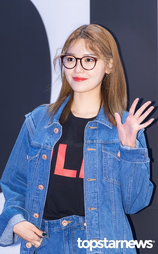 [HD포토] 소녀시대(SNSD) 수영, '안녕? 오 나의 여신님'  #패션위크 #소녀시대 #SNSD #수영. https://t.co/yrC8uIOqY4