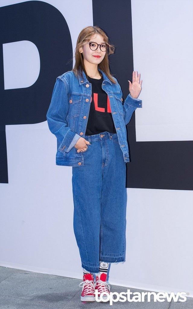 [HD포토] 소녀시대(SNSD) 수영, '시선이 자꾸 가는 완벽한 기럭지'  #패션위크 #소녀시대 #SNSD #수영. https://t.co/o1rwYGIqQe