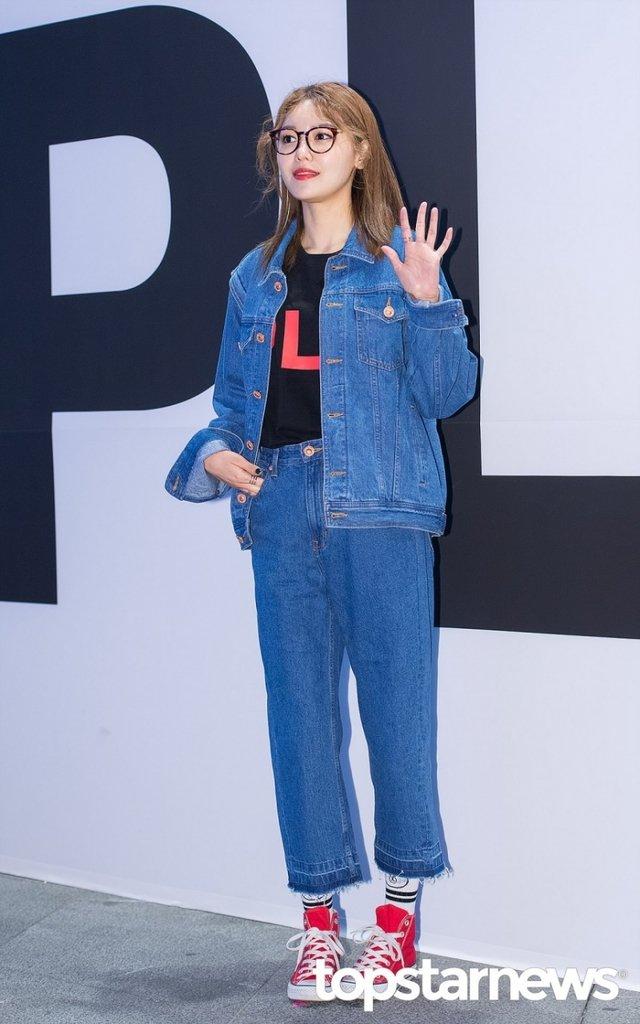 [HD포토] 소녀시대(SNSD) 수영, '보면 볼수록 더 이뻐'  #패션위크 #소녀시대 #SNSD #수영. https://t.co/XFiWTCtSf7