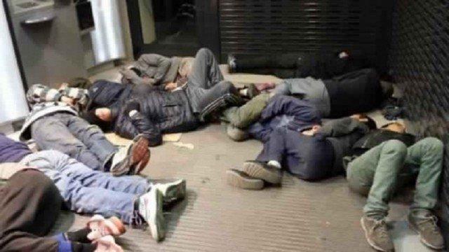 Marokkaanse ambassade gaat minderjarige illegale straatkinderen in Parijs helpen - https://t.co/PkahxxjNYo https://t.co/GRrU5R6eb3