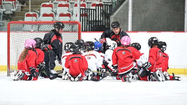 Hockey Canada to make smaller ice surfaces mandatory for youngest kids' games