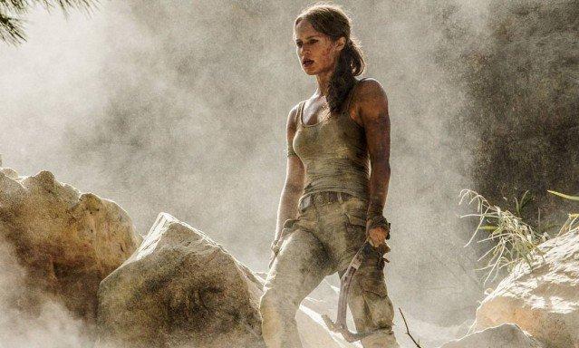 Revista divulga primeiras imagens oficiais de Alicia Vikander como Lara Croft.