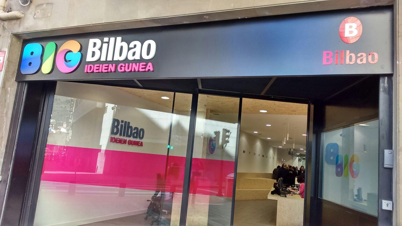 """Colon de Larreategi kalean """"BIG Bilbao"""" ekintzailetza bultzatzeko zentro barria zabaldu dabe gaur @bilbao_udala https://t.co/Ir1zKaUZRq"""