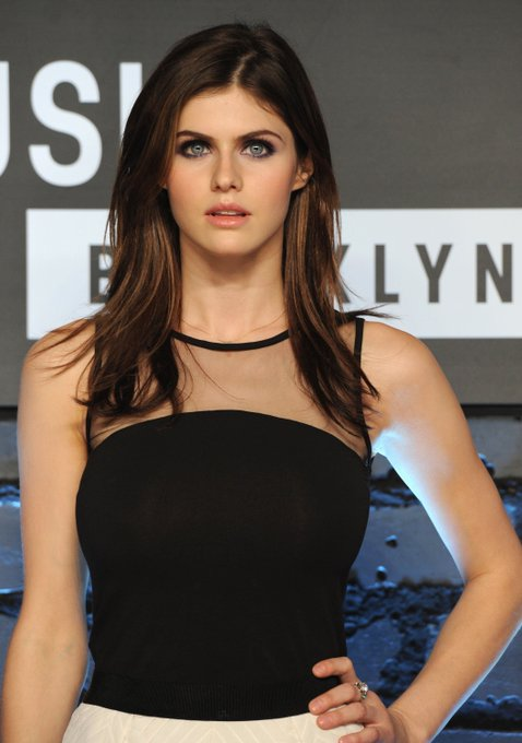 Happy Birthday!!! Alexandra Daddario      I  you !