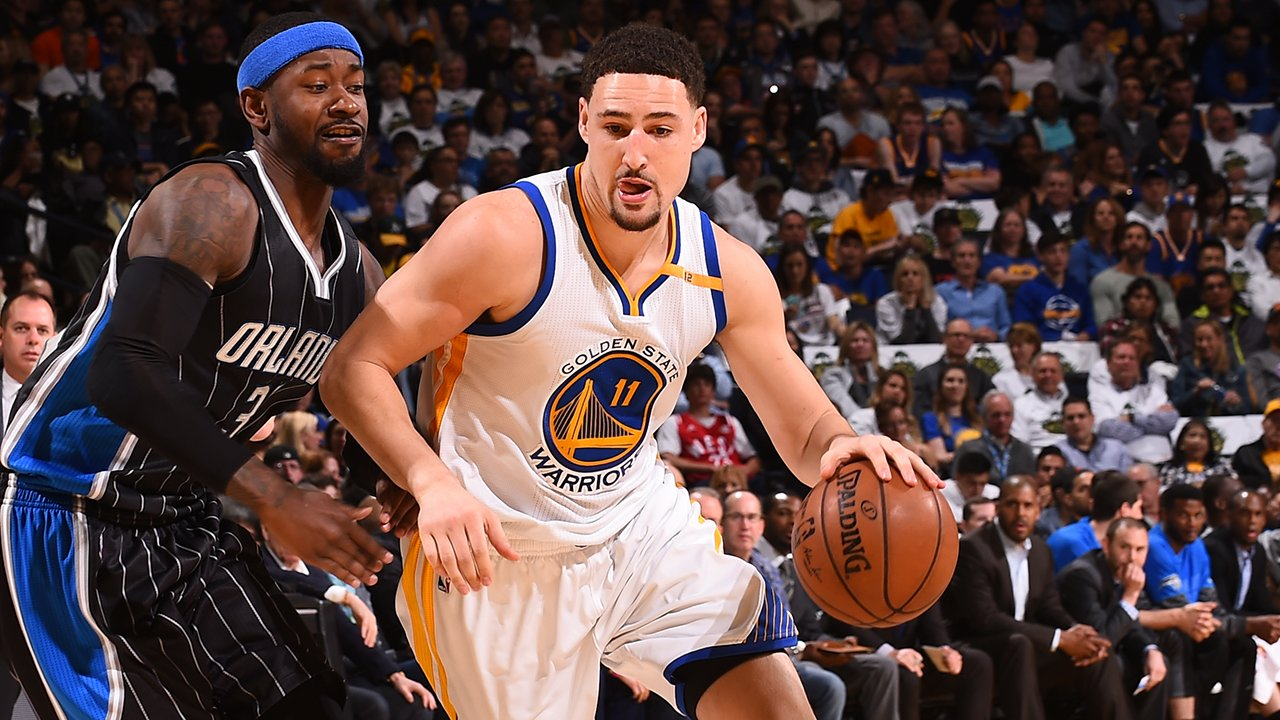 Second half starts now! Tune-in ��  �� @CSNAuthentic �� @957thegame �� https://t.co/ZkjPJjiF76 https://t.co/ntavOyaFuA