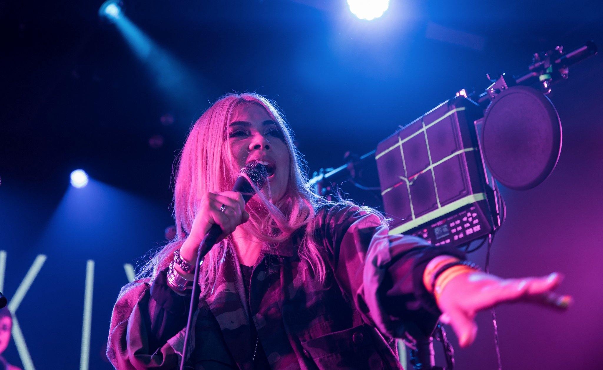 .@HayleyKiyoko stunned the crowd at #YouTube #SXSW. Don't miss her New Obsessions playlist → https://t.co/0GC5VNkXTt https://t.co/5ocHWypYbJ