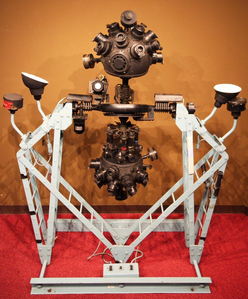 国産プラネタリウムを実物や写真で紹介 明石市立天文科学館『日本のプラネタリウム「はじめの一歩」展』